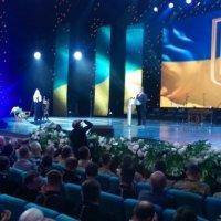 Президент України: «Все більше українців хочуть мати єдину помісну автокефальну Церкву»