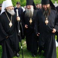 Митрополит Онуфрій зачастив на Буковину