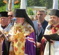 Єпископи УПЦ КП і УГКЦ освятили пам'ятник борцям за волю України