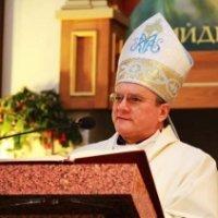 Папа призначив єпископа Яна Собіло головою комітету з надання гуманітарної допомоги постраждалим від війни в Україні