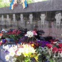 Священники УПЦ и УГКЦ почтили память пилотов, погибших от рук террористов «ЛНР»