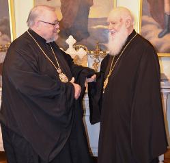 УПЦ пожаловалась Патриарху Варфоломею на главу УПЦ Канады