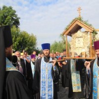 Хресний хід УПЦ помолився біля меморіалу Небесній сотні