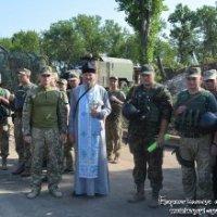 Священики УПЦ відвідали військових у зоні АТО та благословили новобранців