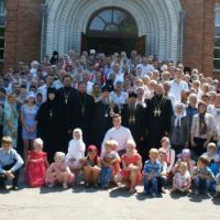 Верующие пообещали митрополиту УПЦ «стоять насмерть» за административное подчинение Москве