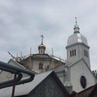 Віряни УПЦ не віддають греко-католикам їхній храм і «русифікують» його архітектуру