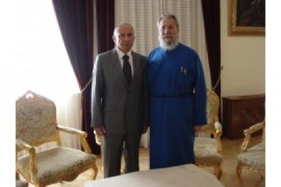 Посол України обговорив з главою Кіпрської Православної Церкви ситуацію в Україні і розвиток співробітництва