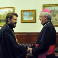 Апостольский нунций в РФ и глава ОВЦС МП во время встречи затронули вниманием Украину