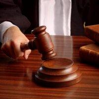 Суд залишив під вартою мешканців Миколаєва, яких звинувачують у нападі на священика