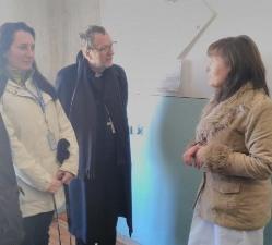 Апостольський нунцій привіз групу лікарів на схід України