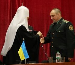 Патріарх Філарет освятив храм Національної гвардії у Харкові, а єпископ УПЦ КП привітав бійців на передовій