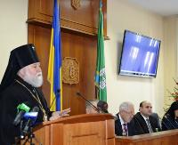 Архієпископ УПЦ КП благословив позачергову сесію Чернівецької обласної ради