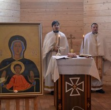 У львівському військовому храмі, присвяченому полеглим в Афганістані, на Майдані, сході України, відбулося перше богослужіння