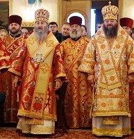Глава УПЦ вчергове відвідав Буковину, підтримавши служіння єпископа-опозиціонера