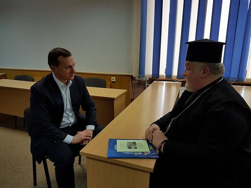 Єпископ УАПЦ просить голову Ужгорода виділити ділянку під будівлі Карпатської єпархії