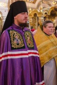 Противники хиротонии нового епископа УПЦ КП спровоцировали драку во Владимирском соборе, обвинив епископа в содомии