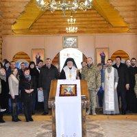 Єпископ УАПЦ нагородив бойового генерала АТО
