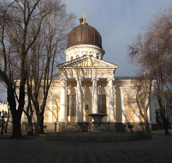 Одесский горсовет выделит УПЦ 2 млн грн, а в Крыму ей передали монастырь XIX века
