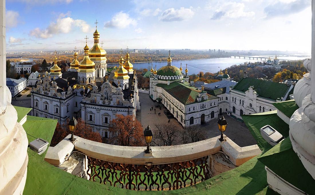 УПЦ розпочала цикл благодійних екскурсій для молоді столицею