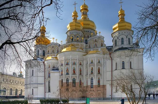УПЦ КП провела першу службу в Успенському соборі київської лаври