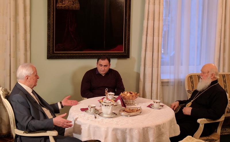 Глава УПЦ КП обговорив коло питань з першим Президентом України