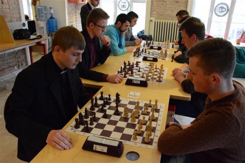 Греко- і римо-католики, православні та протестанти провели у Львові екуменічний шаховий турнір