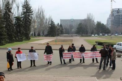 Возле мэрии Николаева прошел пикет против строительства церкви УПЦ