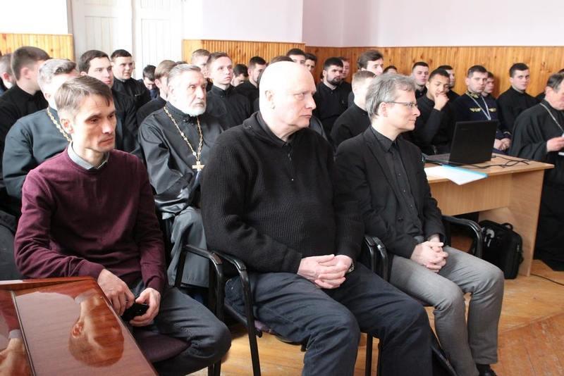 Професори університету Мартіна Лютера з Німеччини взяли участь у постових читаннях академії УПЦ КП