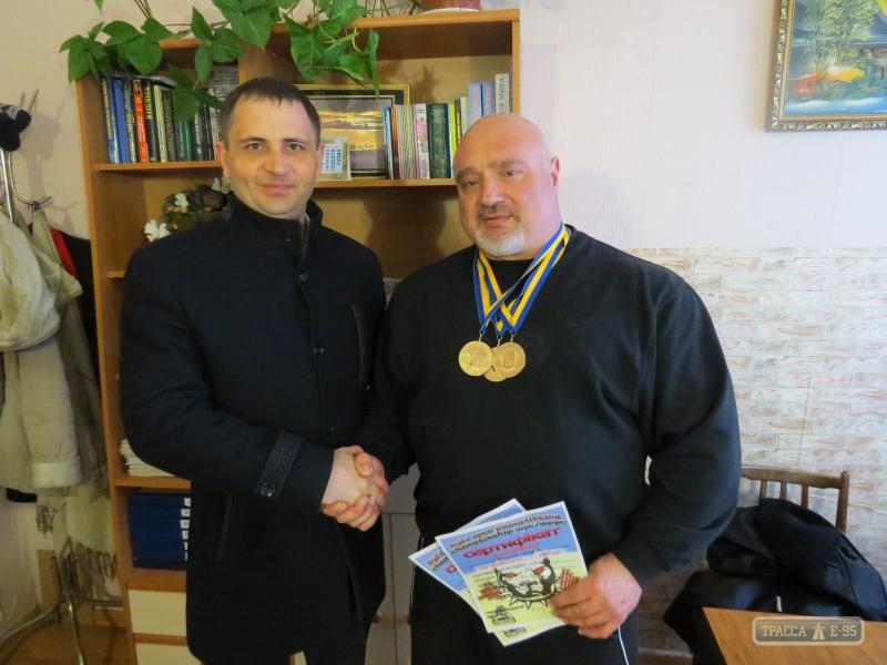 Священик УПЦ завоював першість з пауерліфтингу на Відкритому чемпіонаті у Києві