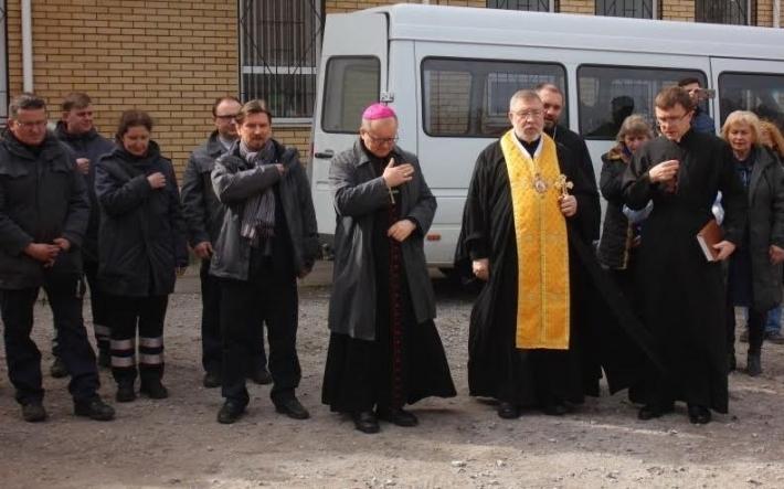 Католицька Мальтійська служба передала польові кухні для використання у буферній зоні АТО