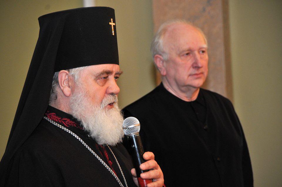 Єпископ УПЦ КП зустрівся з онуком Івана Франка і привітав його з 85-річчям