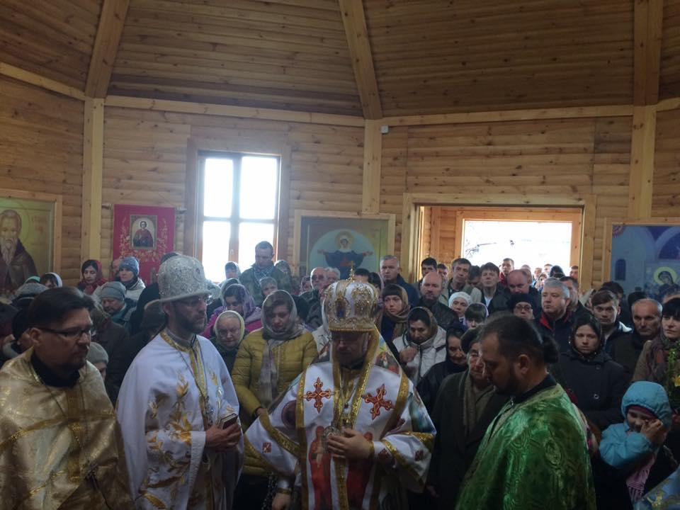 У Маріуполі, Черкасах та Дніпропетровщині постають нові храми УПЦ КП