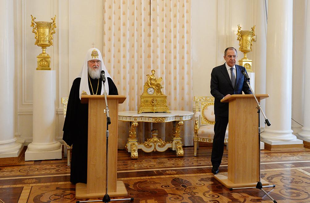 """Патриарх Кирилл ратует за освобождение """"представителей донбасских вооруженных сил"""" из украинского плена"""