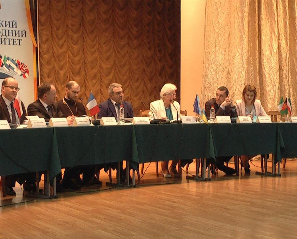 Християни взяли участь у міжнародній конференції «Молодіжна політика в контексті євроатлантичного вибору України»