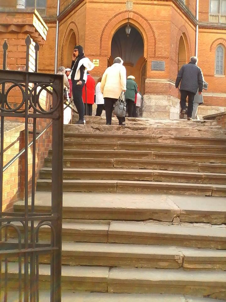 У Чернівцях інваліди не можуть безперешкодно потрапити до Вірменської церкви, а в Києві — до Миколаївського собору