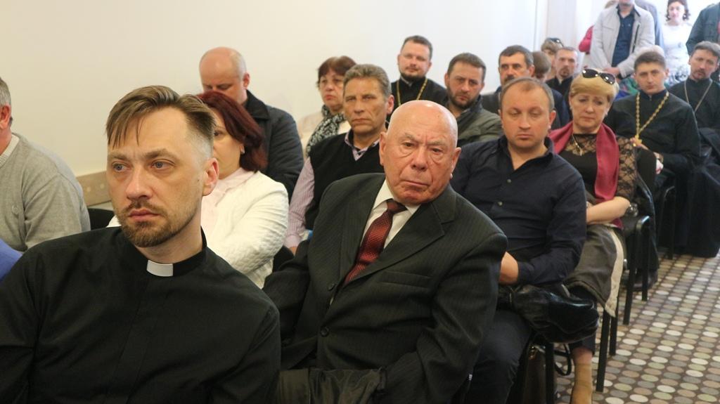 УПЦ КП стала співорганізатором кампанії «Знімай рожеві окуляри»