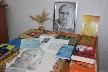 У Кропивницькому презентували дилогію письменника про становлення козацтва і релiгiйні суперечки в Україні