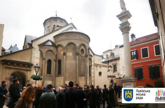 У Львові після капітальної реставрації урочисто відкрили подвір'я Вірменського собору