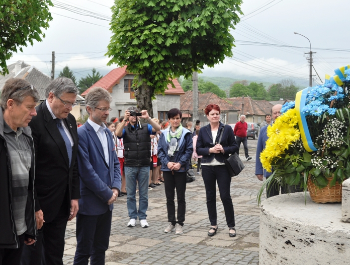 Чеська делегація помолилася на Закарпатті за мир в Україні