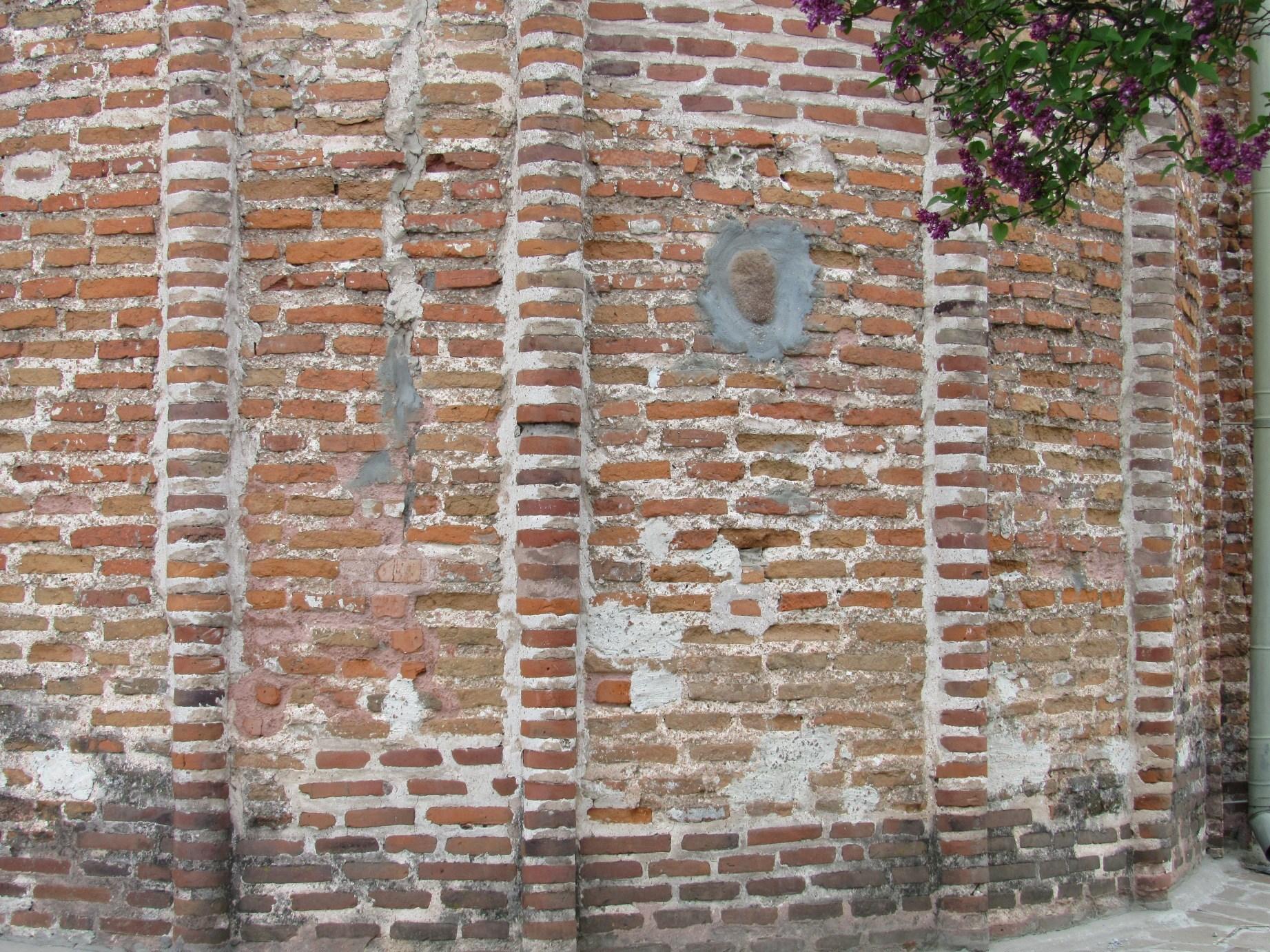 В Чернігові між музейниками і громадою УПЦ КП конфлікт навколо «каменя бажань»