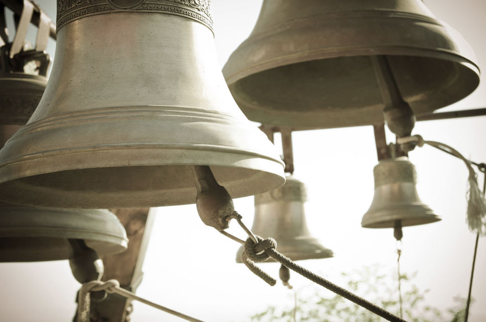 У храмах УПЦ КП здійснили поминальний дзвін за жертвами геноциду кримськотатарського народу