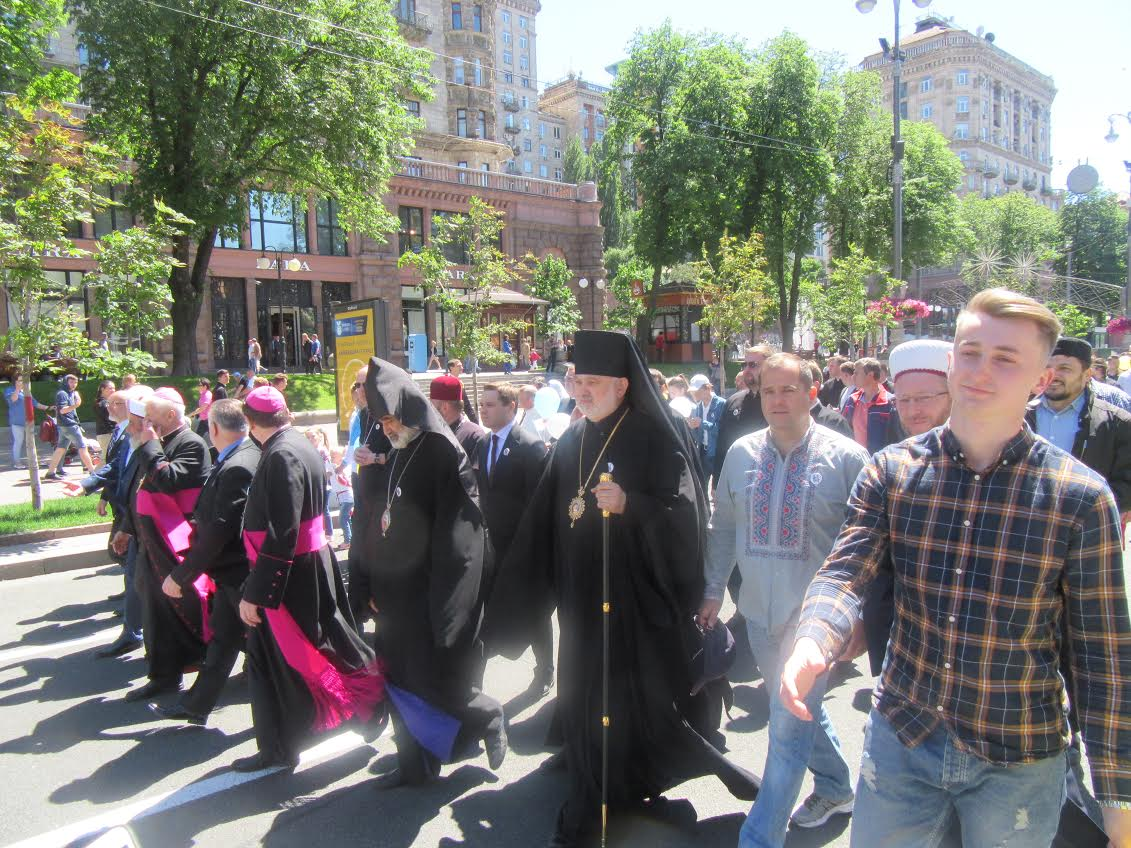 В центрі Києва відбулась Всеукраїнська хода на підтримку сімейних цінностей