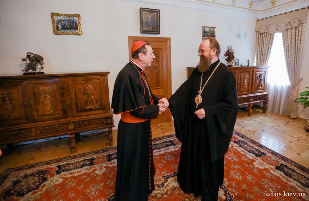 Керуючий справами УПЦ і апостольський нунцій спільно шукати шляхи для мирного співіснування та свідчення про Христа