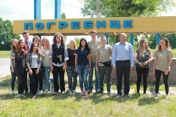 Польські та українські студенти досліджували церкву-мавзолей на Вінниччині