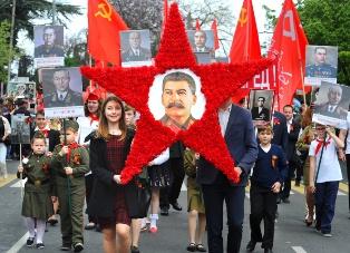 Сталин стал лидером в опросе россиян о самых выдающихся личностях в истории всех времен и народов
