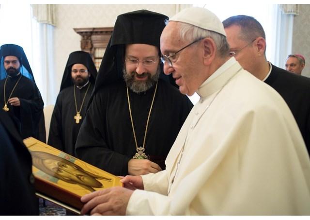 Папа Франциск заявил делегации Константинополя о «желании восстановления полного единства между католиками и православными»