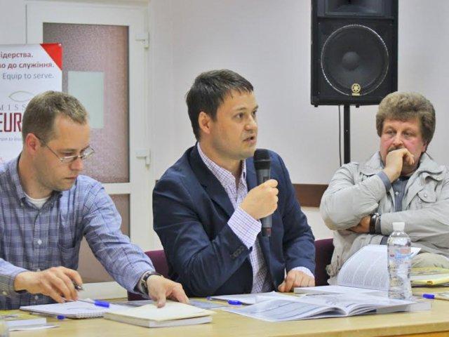 Перспективи розвитку євангельських церков — у центрі обговорення