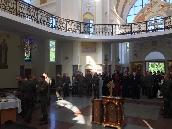 Військові та 44 капелани різних конфесій відвідали духовний центр УГКЦ в Зарваниці