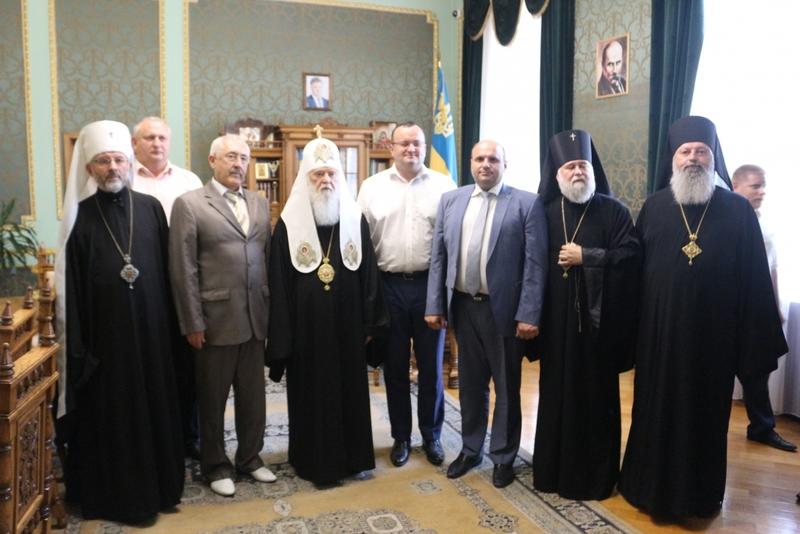 Глава УПЦ КП обговорив з владою Буковини державно-церковні стосунки