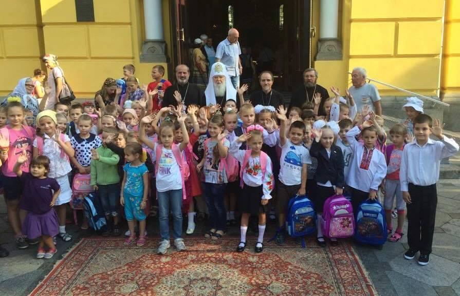 Церкви розпочали благодійні акції для школярів з малозабезпечених родин